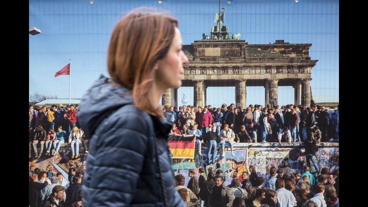 30η επέτειος από την πτώση του Τείχους του Βερολίνου: Η νύχτα που άλλαξε τον «κόσμο» (pics+vid) - Newsbomb - Ειδησεις - News