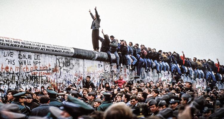 Η αλήθεια για το Τείχος του Βερολίνου: Η Ιστορία δεν τελείωσε το 1989... - Ατέχνως
