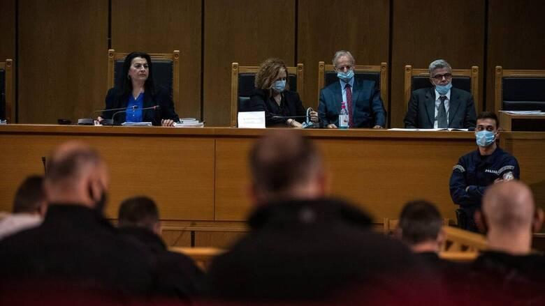 Δίκη Χρυσής Αυγής: Θέμα χρόνου η απόφαση για τις αναστολές - «Όχι» στον Κασιδιάρη, «ναι» στον Λαγό - CNN.gr