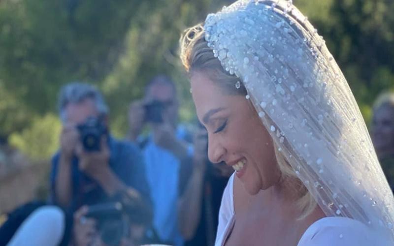 Παντρεύτηκε η Ελεωνόρα Ζουγανέλη στις Σπέτσες! Γάμος… νησιώτικος! (pics-video) | Cyprus Times