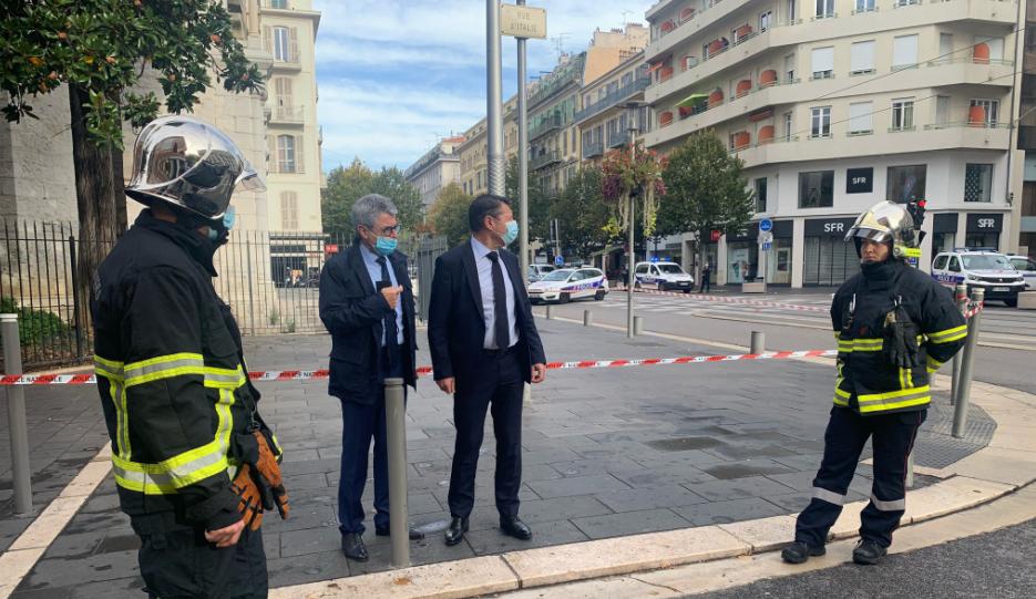 Γαλλία: Τρεις οι νεκροί της επίθεσης σε εκκλησία της Νίκαιας - Μια γυναίκα αποκεφαλίστηκε - Sputnik Ελλάδα