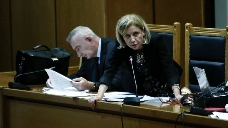 Θα λάβει αναδρομικά την κρατική χρηματοδότηση η Χρυσή Αυγή; - CNN.gr