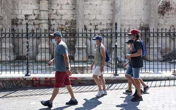 Η πανδημία «εξαφάνισε» τις τουριστικές εισπράξεις