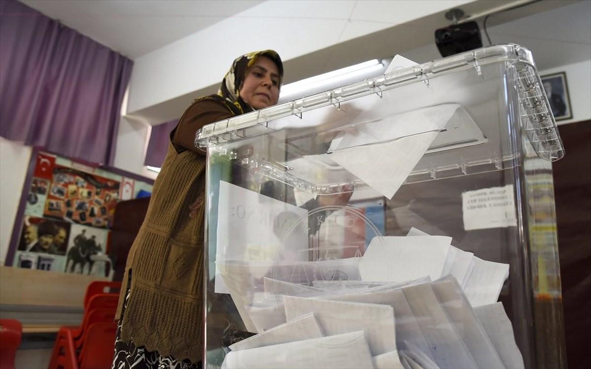 Κύπρος: Στις κάλπες οι Τουρκοκύπριοι για την ανάδειξη του νέου ηγέτη στα κατεχόμενα