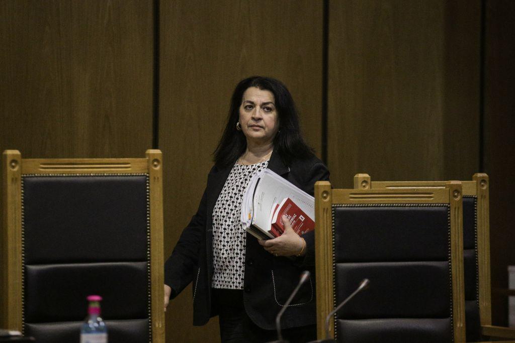 Guardian: Στην περίπτωση της Χρυσής Αυγής, η δικαιοσύνη ήταν γένους θηλυκού - Akroama.gr