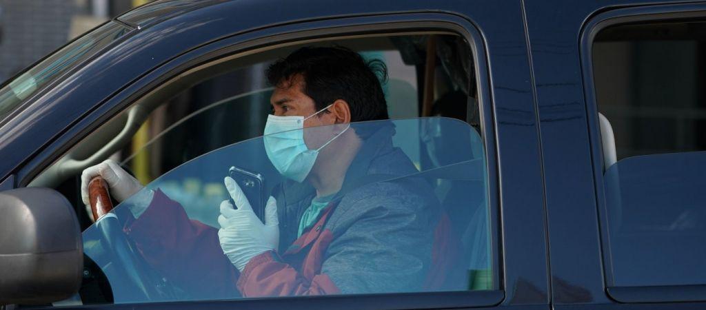 Μάσκα στο αυτοκίνητο: Πότε είναι υποχρεωτική η χρήση της - Αλαλούμ και πρόστιμα | kontranews.gr