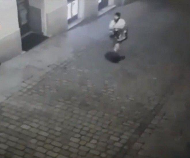Επίθεση στη Βιέννη: Γεννημένος στην πόλη με καταγωγή από τη Βόρεια Μακεδονία ο τζιχαντιστής δράστης - Κόσμος | News 24/7