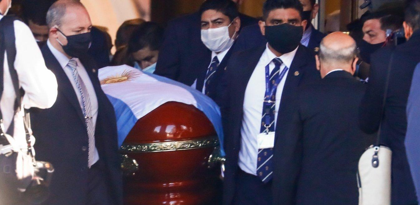 O Ντιέγκο Μαραντόνα στην αιωνιότητα: Θρήνος σε κηδεία και λαϊκό προσκύνημα | Έθνος