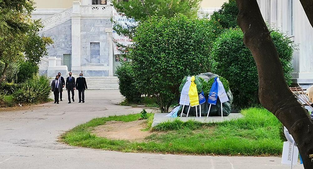 Ο Κυριάκος Μητσοτάκης κατέθεσε στεφάνι στο Πολυτεχνείο - Βίντεο - Sputnik Ελλάδα