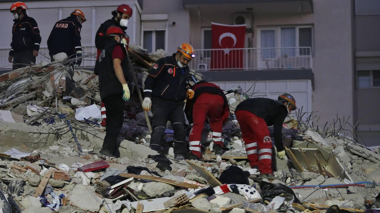 Σεισμός Τουρκία: Μάχη με το χρόνο για τους διασώστες - 25 νεκροί, πάνω από 800 τραυματίες - CNN.gr