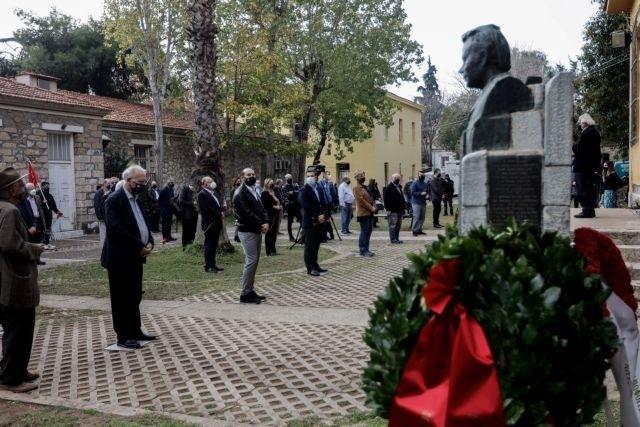 Στο ΕΑΤ-ΕΣΑ η κατάθεση στεφάνων από το ΣΥΡΙΖΑ για το Πολυτεχνείο - ΠΟΛΙΤΙΚΗ - XrimaOnline.gr