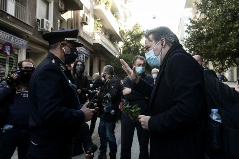 Γρηγορόπουλος: Ελεύθεροι οι δικηγόροι Θανάσης Καμπαγιάννης και Κώστας Παπαδάκης [vids & pics] | Flash.gr