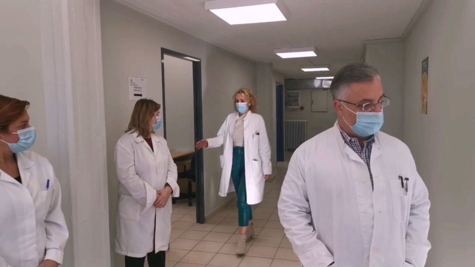Το NEWS 24/7 μπήκε στο εμβολιαστικό κέντρο Ιλίου - Όλη η διαδικασία - Κοινωνία   News 24/7
