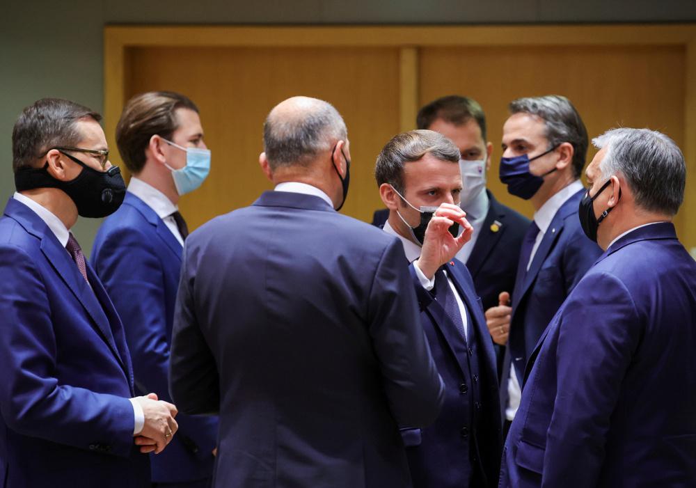 Ασθενής ο Μακρόν… πυρετός στους ηγέτες της Συνόδου Κορυφής - To κορωνοδείπνο του Γάλλου προέδρου που τρομάζει