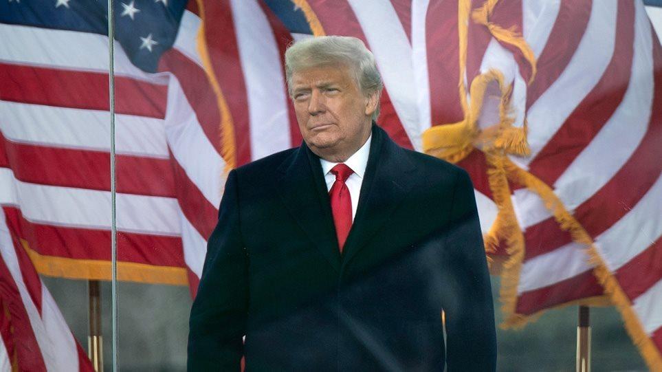 ΗΠΑ: Ποια είναι τα δύο οφέλη από την πιθανή αποπομπή Τραμπ