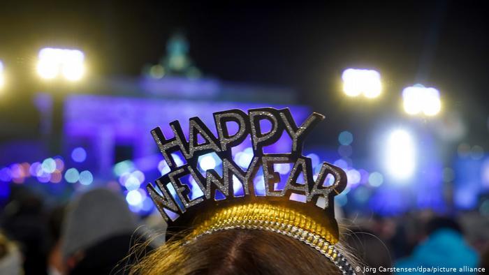 2021 : Παράξενη Πρωτοχρονιά - Όταν το ρολόι χτυπήσει μεσάνυχτα - Ειδήσεις - νέα - Το Βήμα Online