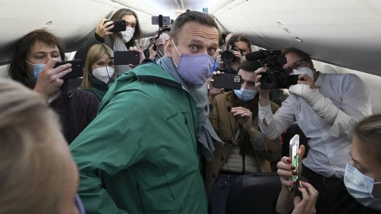 Συνελήφθη ο Αλεξέι Ναβάλνι στο αεροδρόμιο της Μόσχας - CNN.gr