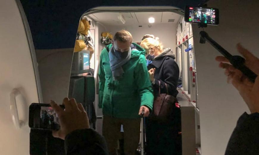 Ο Αλεξέι Ναβάλνι συνελήφθη στο αεροδρόμιο της Μόσχας μόλις αφίχθη στη Ρωσία | LiFO
