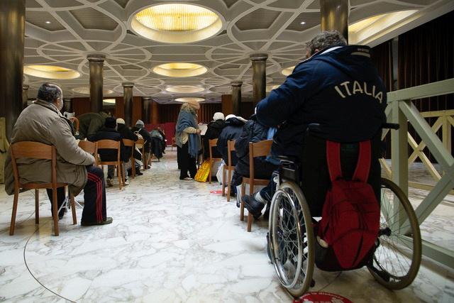 Ιταλία - Κορονοϊός: Το Βατικανό ξεκίνησε να εμβολιάζει τους άστεγους της Ρώμης