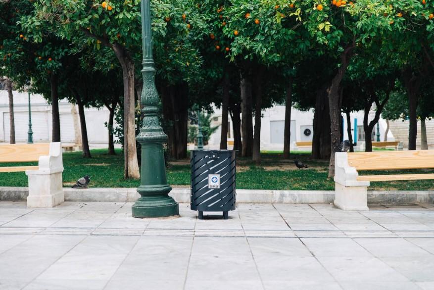 Κάδοι απορριμάτων στην Αθήνα