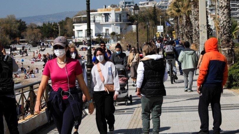 Lockdown: Στο «τραπέζι» και η απαγόρευση των διαδημοτικών μετακινήσεων με τον κωδικό «6» στην Αττική | Plus: Κοινωνία | gazzetta.gr