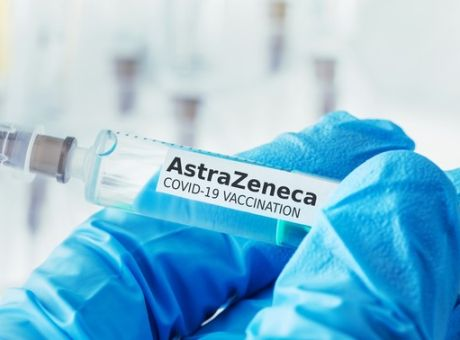 Εθνική Επιτροπή Εμβολιασμών: Συνεχίζονται κανονικά οι εμβολιασμοί με την AstraZeneca - Κοινωνία | News 24/7