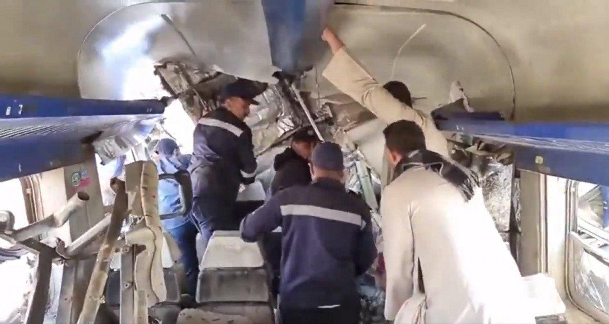 Τραγωδία στην Αίγυπτο: 32 νεκροί μετά από σύγκρουση τρένων (vids) | ΕΙΔΗΣΕΙΣ