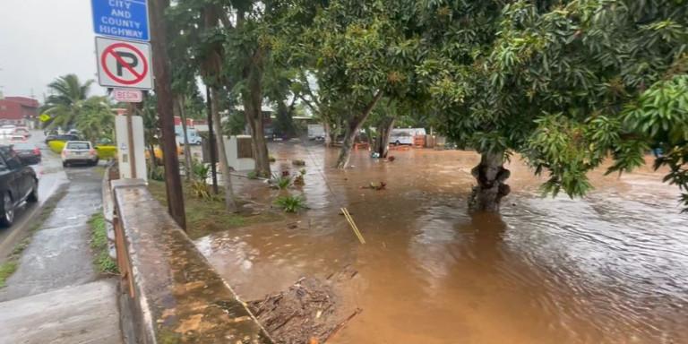 Χαβάη: Σε κατάσταση έκτακτης ανάγκης λόγω ισχυρών βροχοπτώσεων | Creta24