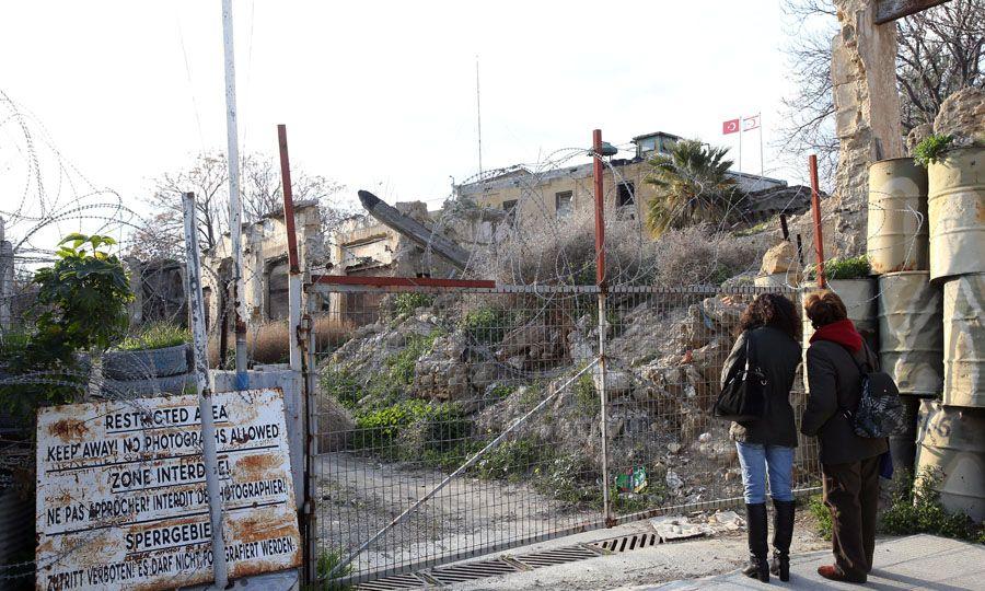 Κερκόπορτα η Πράσινη Γραμμή για τη λαθρομετανάστευση, Η ΚΑΘΗΜΕΡΙΝΗ, kathimerini.com.cy