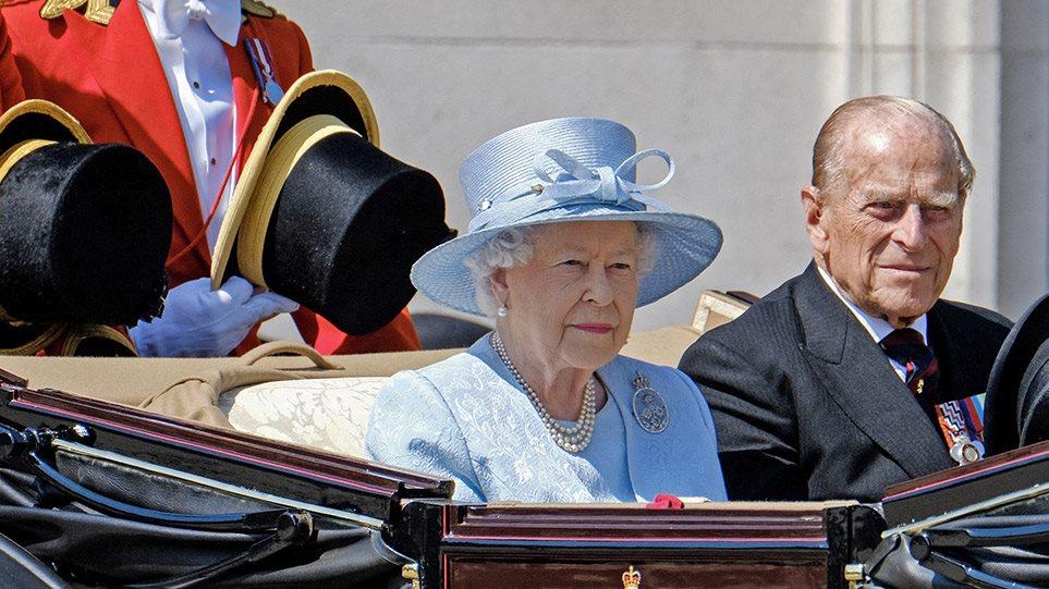 Τι θα κάνει η βασίλισσα Ελισάβετ μετά τον θάνατο του Φίλιππου; Τα σενάρια για παραίτηση από το θρόνο – Arouraios.gr – Ειδήσεις