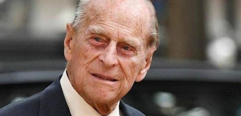 Ο πρίγκιπας Χάρι επέστρεψε στο Ηνωμένο Βασίλειο για την κηδεία του πρίγκιπα Φιλίππου