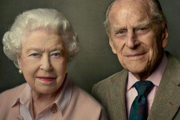 Θλιμμένα τα 95α γενέθλια της βασίλισσας Ελισάβετ: Χωρίς εκδηλώσεις και κανονιοβολισμούς - Ένα ήσυχο γεύμα & video κλήσεις με την οικογένειά της | eirinika.gr